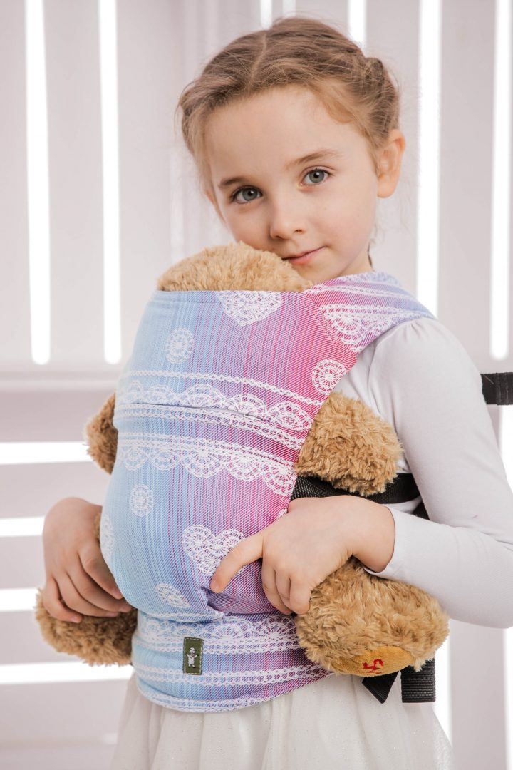 sling hire sling library sling rent rental try before you buy lenny lamb heavenly lace rainbow light white children child waist bag babywearing doll carrier sling buckle